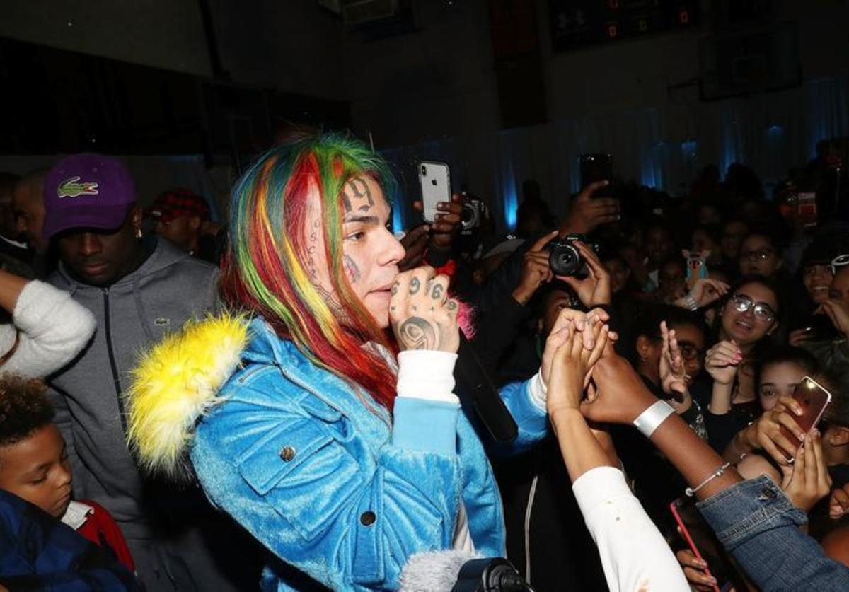 6ix9ine attends La La Anthony Hosts 'Winter Wonderland' Holiday Charity Event on December 21, 2017 in New York City