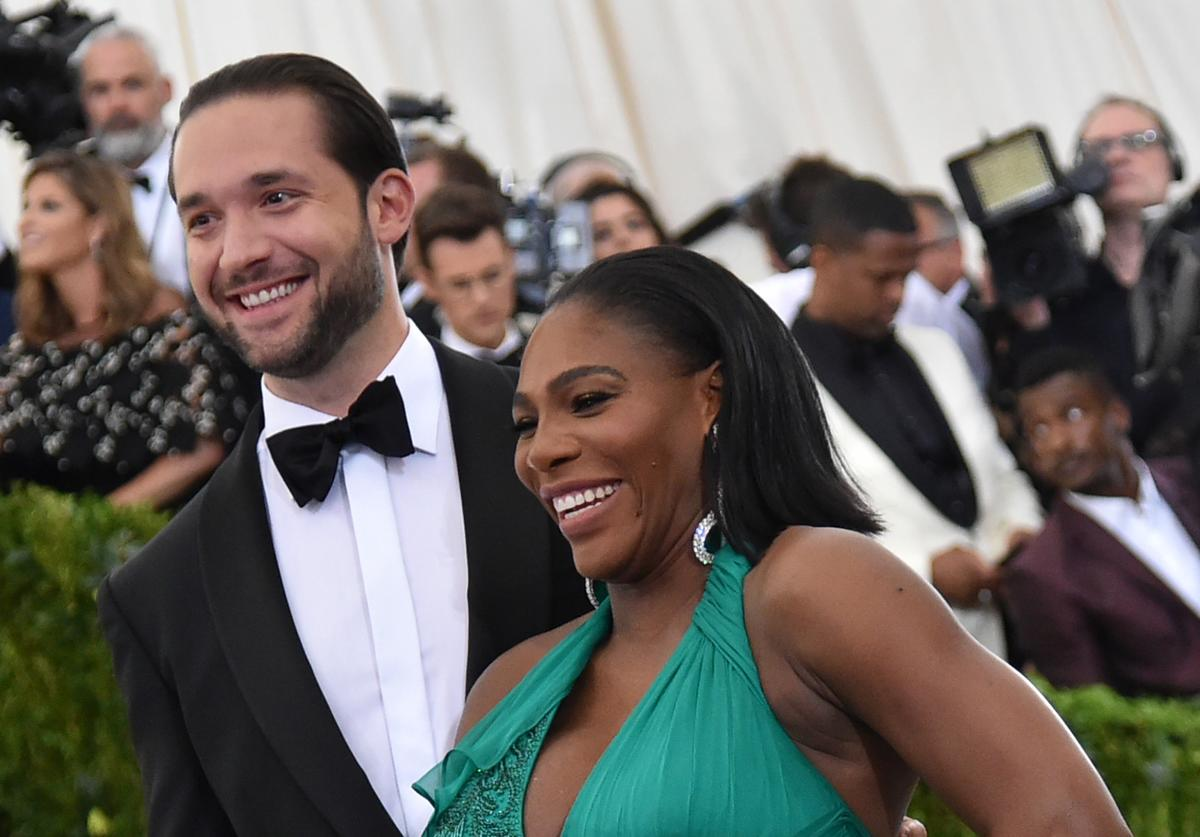 Alexis Ohanian and Serena Williams attend the 'Rei Kawakubo/Comme des Garcons: Art Of The In-Between' Costume Institute Gala at Metropolitan Museum of Art on May 1, 2017 in New York City
