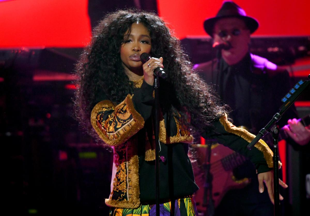 SZA performs onstage during 60th Annual GRAMMY Awards - I'm Still Standing: A GRAMMY Salute To Elton John at the Theater at Madison Square Garden on January 30, 2018 in New York City