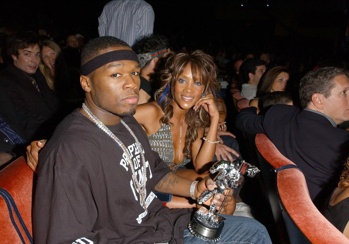 Rapper 50 Cent and actress Vivica Fox pose during the 2003 MTV Video Music Awards at Radio City Music Hall on August 28, 2003 in New York City