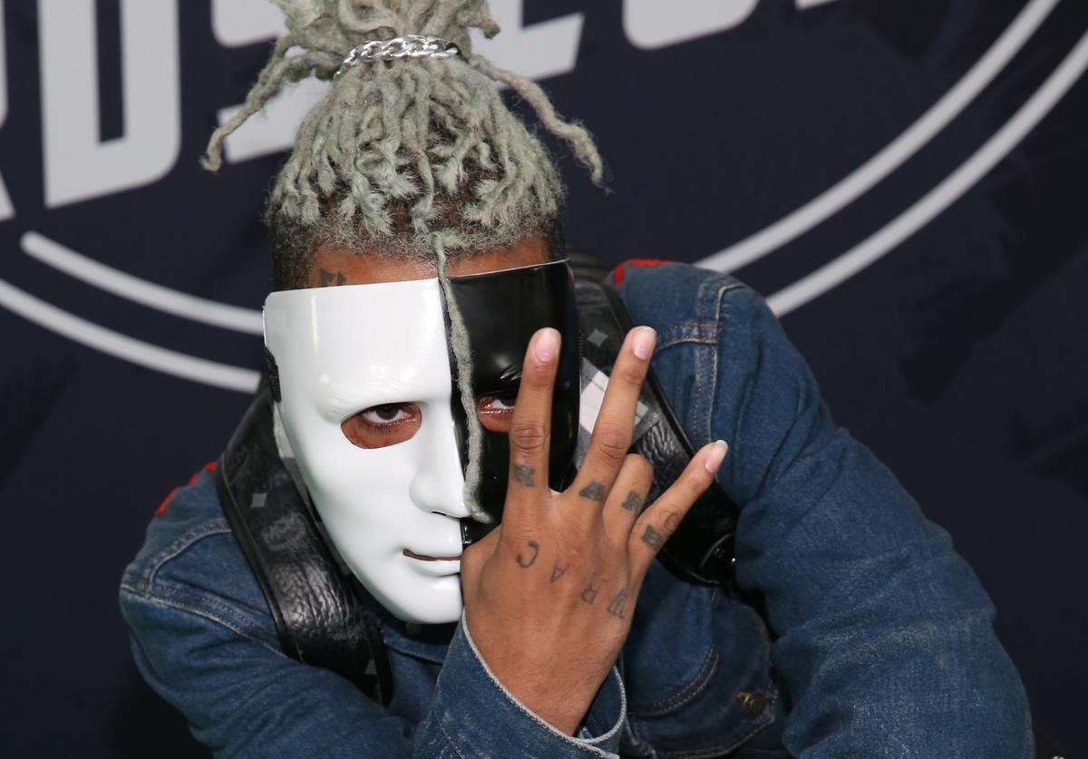 XXXTentacion attends the BET Hip Hop Awards 2017 at The Fillmore Miami Beach at the Jackie Gleason Theater on October 6, 2017 in Miami Beach, Florid