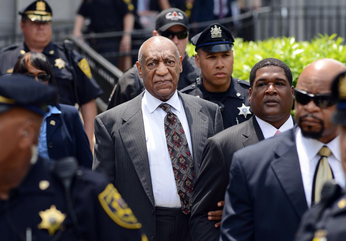 Bill Cosby leaves a preliminary hearing on sexual assault charges on May 24, 2016 in at Montgomery County Courthouse in Norristown, Pennsylvania