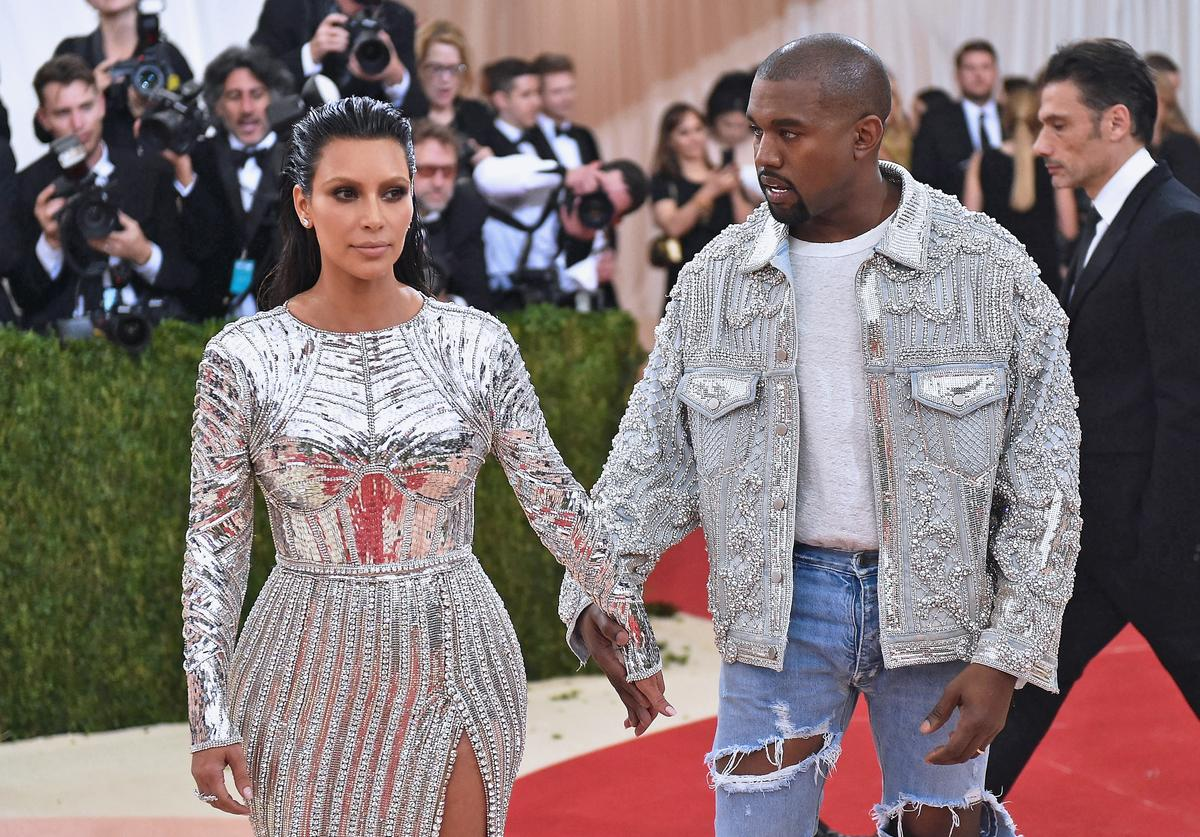 Kim Kardashian (L) and Kanye West attend the 'Manus x Machina: Fashion In An Age Of Technology' Costume Institute Gala at Metropolitan Museum of Art on May 2, 2016 in New York City