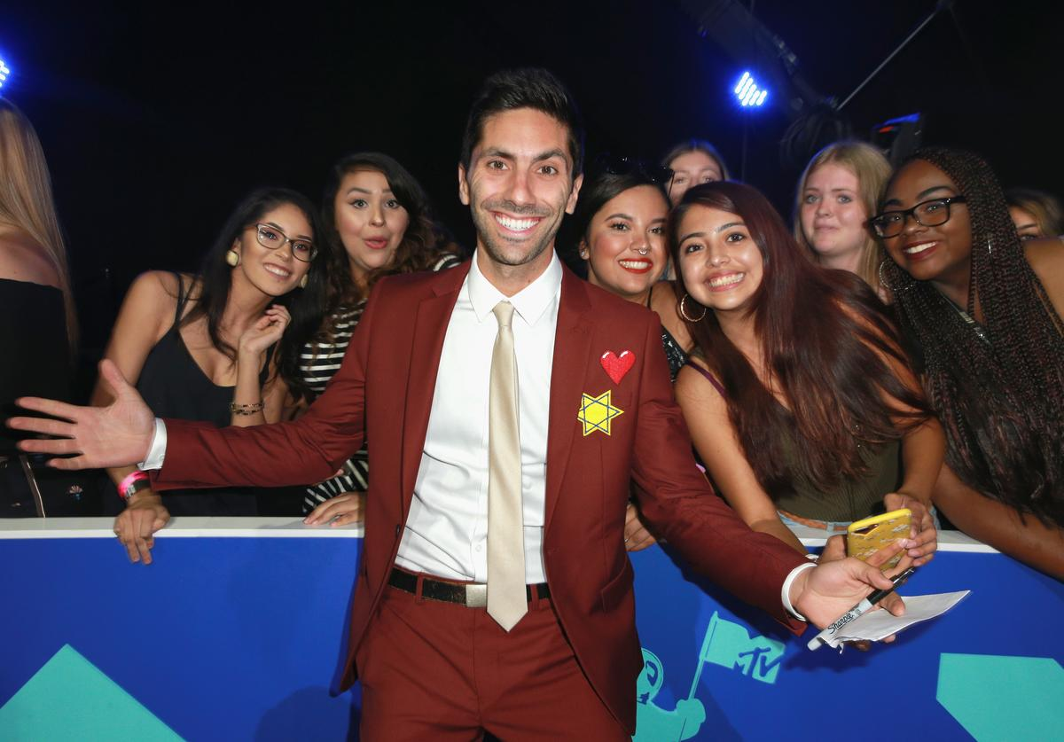 Nev Schulman attends the 2017 MTV Video Music Awards at The Forum on August 27, 2017 in Inglewood, California.