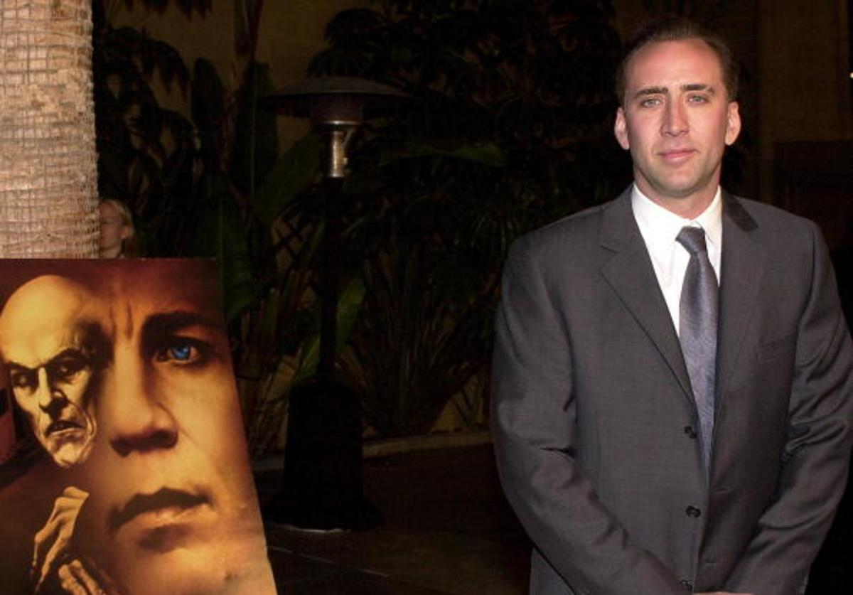 Producer Nicolas Cage arrives at the premiere of the new film 'Shadow of the Vampire', December 15, 2000 in Los Angeles, CA.