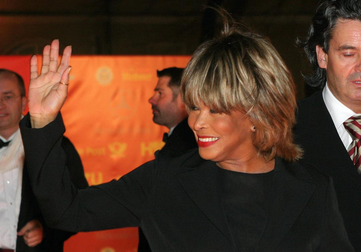 Tina Turner arrives at the 'Goldene Kamera' Awards at Axel Springer Haus on February 9, 2005 in Berlin, Germany.