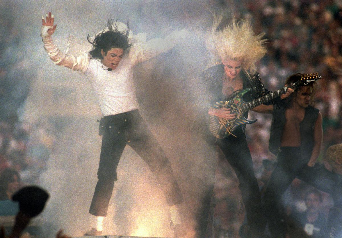 Michael Jackson performs during the Halftime show as the Dallas Cowboys take on the Buffalo Bills in Super Bowl XXVII at Rose Bowl on January 31, 1993 in Pasadena, California. The Cowboys won 52-17.