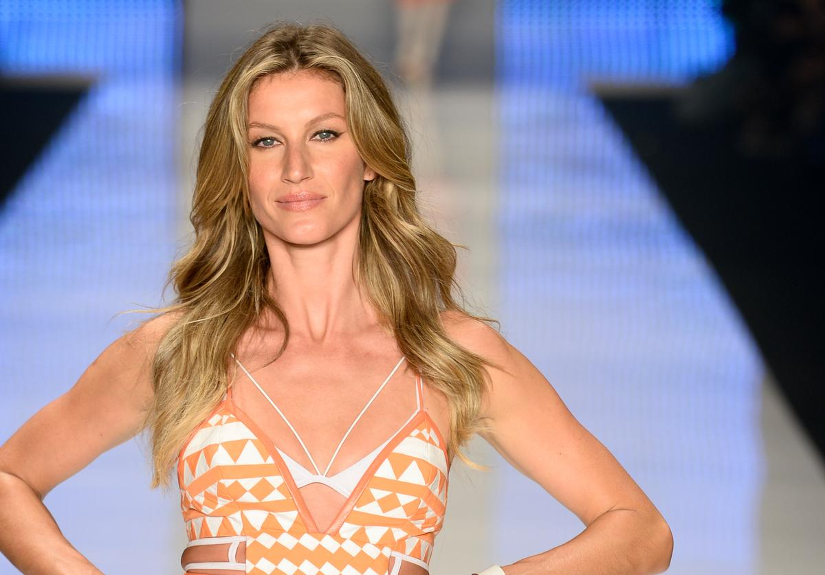 Gisele Bundchen walks the runway during the Colcci show at SPFW Summer 2016 at Parque Candido Portinari on April 15, 2015 in Sao Paulo, Brazil