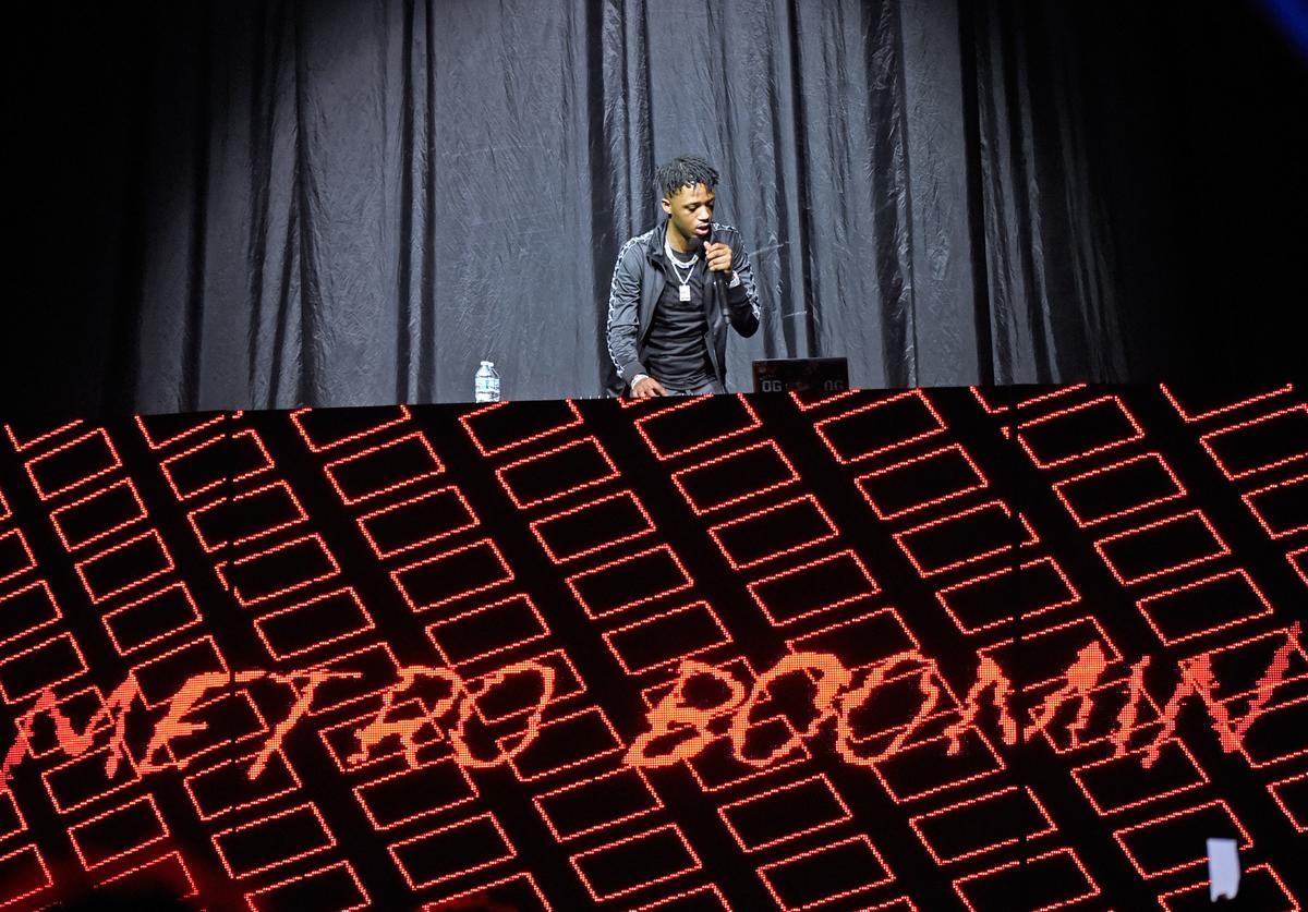 Metro Boomin (a.k.a. Young Metro) performs at KFC YUM! Center on September 16, 2017 in Louisville, Kentucky.