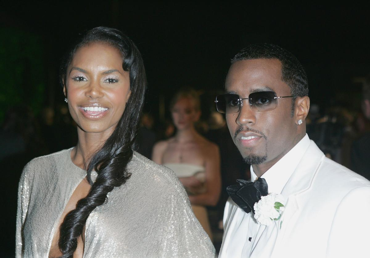 Actress Kim Porter and Sean 'Puffy' Combs arrive at the Vanity Fair Oscar Party at Mortons on February 27, 2005 in West Hollywood, California.