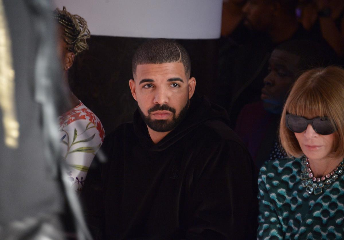 Drake and Anna Wintour attend the Serena Williams Signature Statementby HSN show during Spring 2016 Style360 on September 15, 2015 in New York City