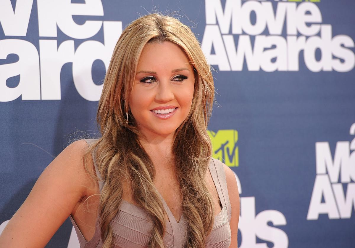 : Actress Amanda Bynes arrives at the 2011 MTV Movie Awards at Universal Studios' Gibson Amphitheatre on June 5, 2011 in Universal City, California.