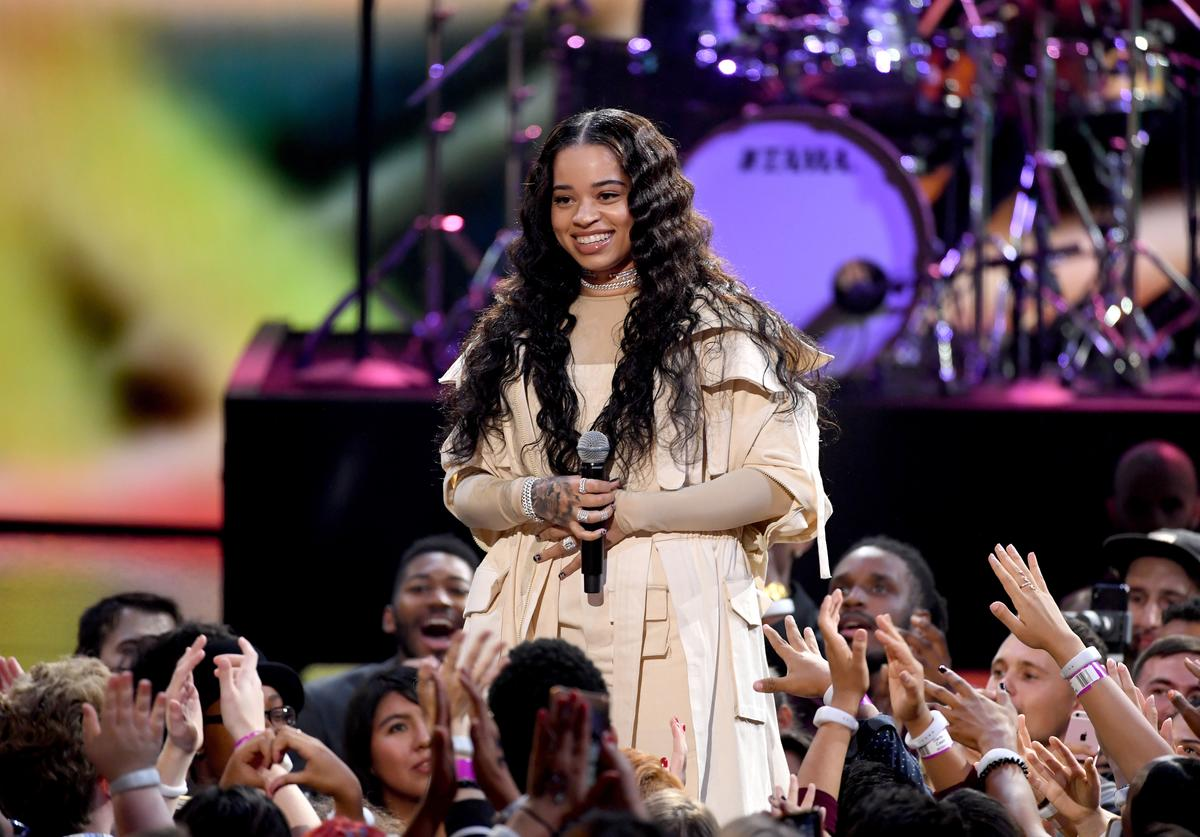 Ella Mai performs onstage during the 2018 American Music Awards at Microsoft Theater on October 9, 2018 in Los Angeles, California.