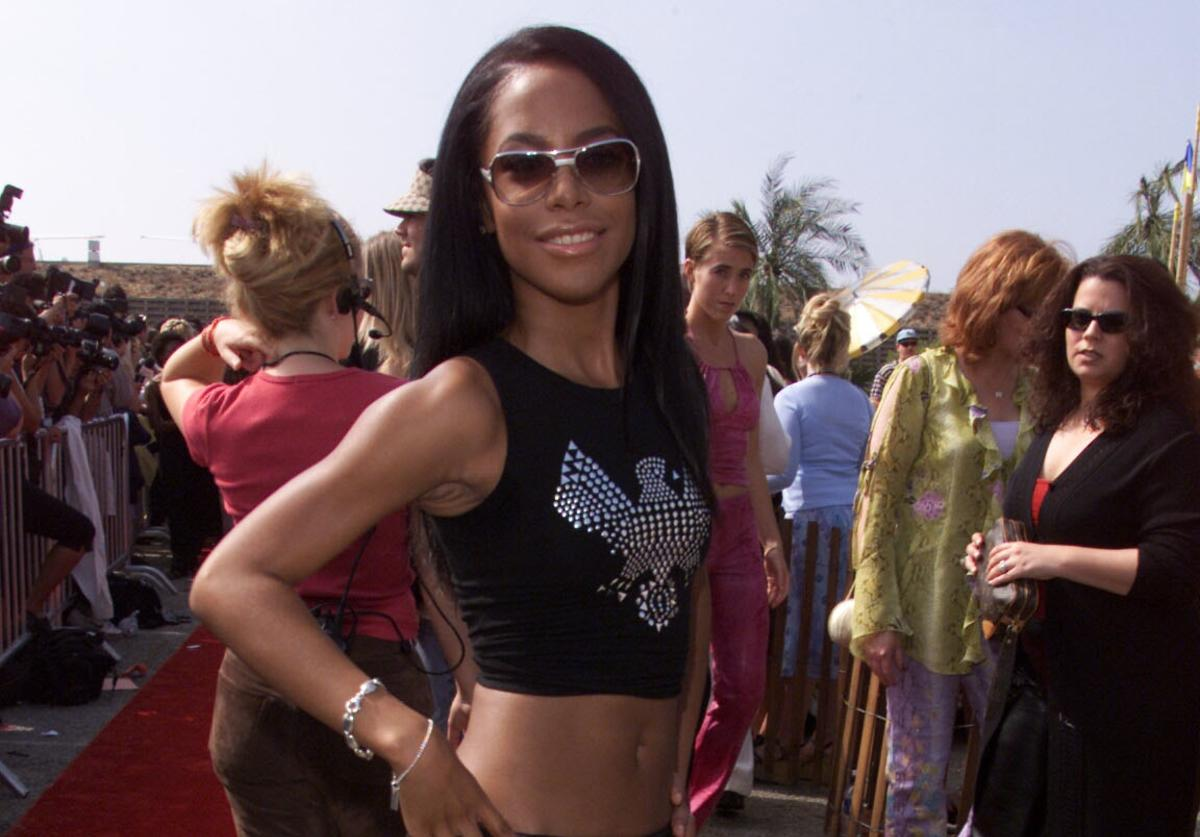 Aaliyah at the at the 2000 Teen Choice Awards at the Barker hangar in Santa Monica, CA on Sunday, August 6, 2000