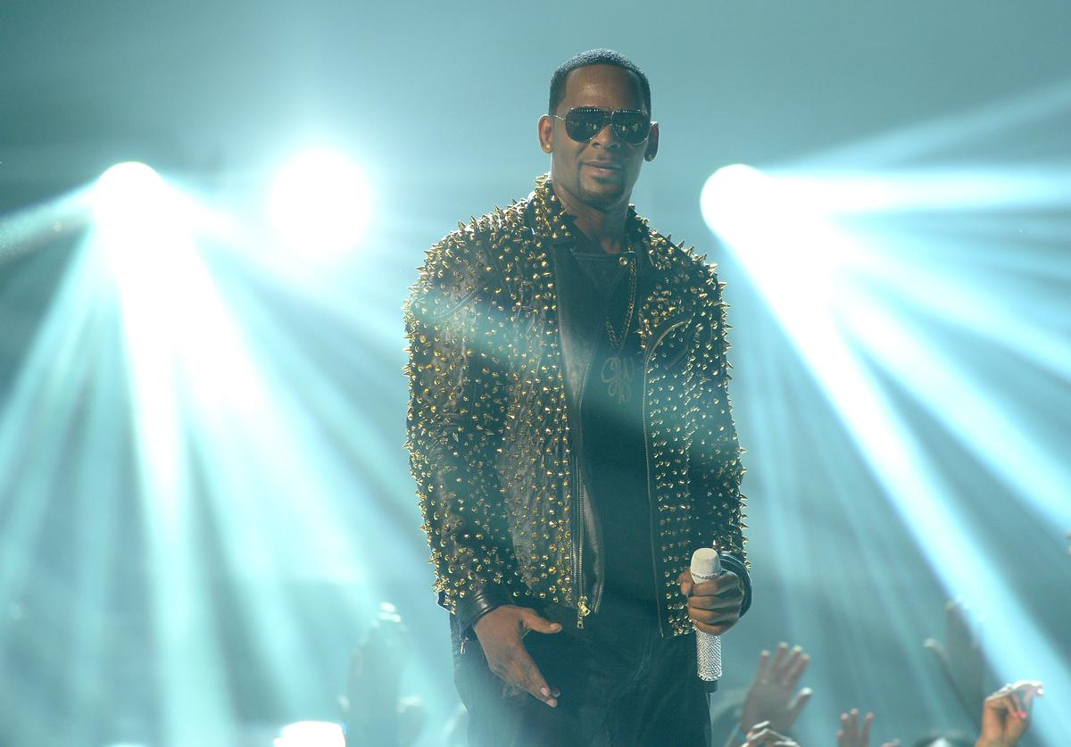 R. Kelly performs onstage during the 2013 BET Awards at Nokia Theatre L.A. Live on June 30, 2013 in Los Angeles, California