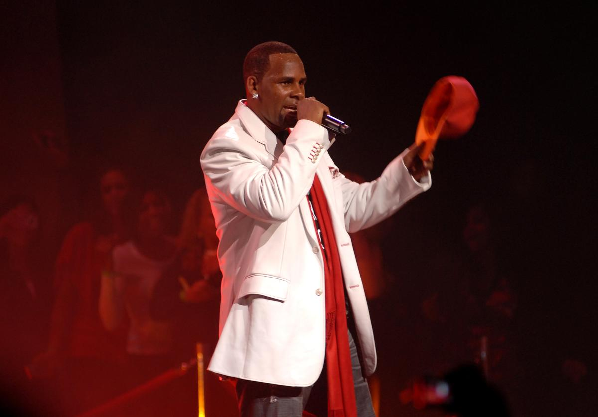 R. Kelly performs at Madison Square Garden on October 16, 2009 in New York City