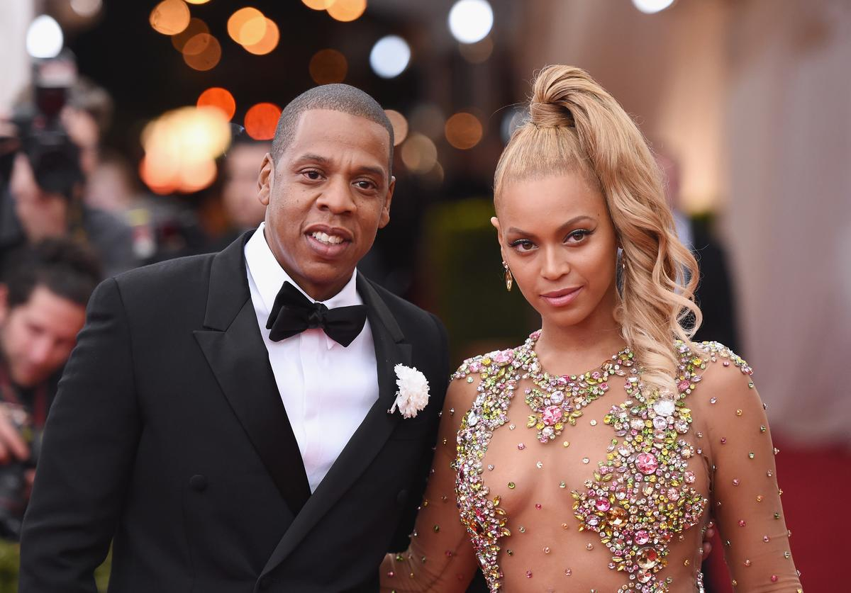 Jay Z (L) and Beyonce attend the 'China: Through The Looking Glass' Costume Institute Benefit Gala at the Metropolitan Museum of Art on May 4, 2015 in New York City