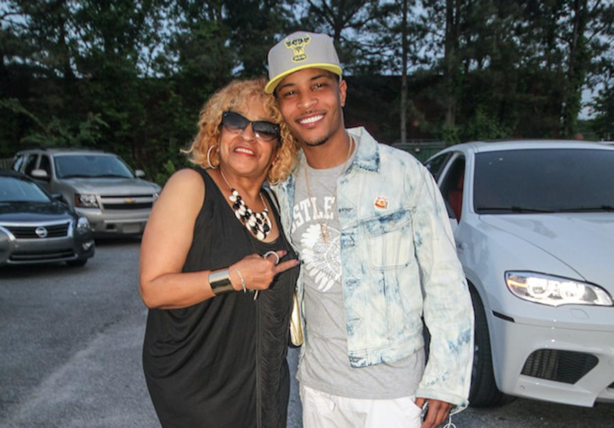 Precious and Clifford T.I Harris attend the Sister 2 Sister Ladies Night at Mason Murer Art Gallery on May 8, 2014 in Atlanta, Georgia