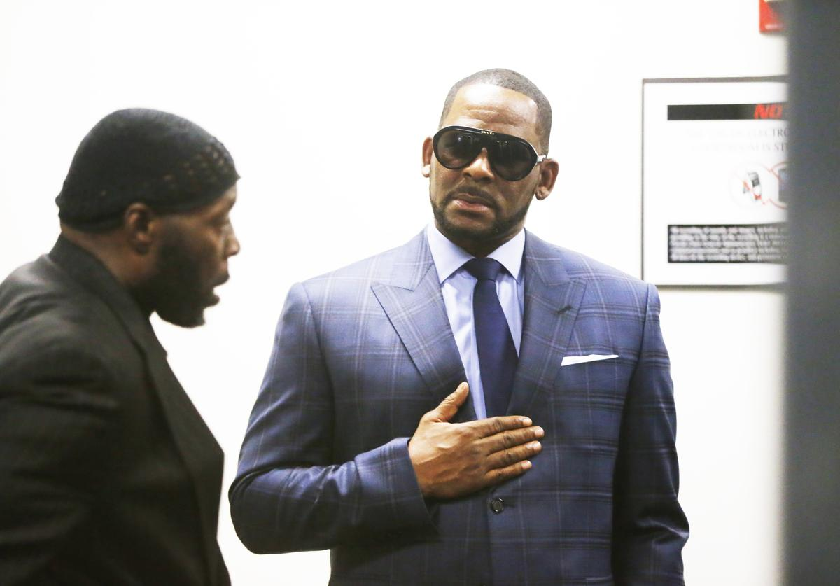 R. Kelly arrives at the Daley Center for his hearing on March 6, 2019 in Chicago, Illinois. Kelly was in court after failing to pay more than $160,000 in child support