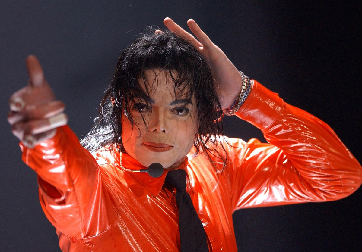 Musician Michael Jackson performs at the taping of 'American Bandstands 50th...A Celebration' television special honoring the music show April 20, 2002 in Pasadena, CA.
