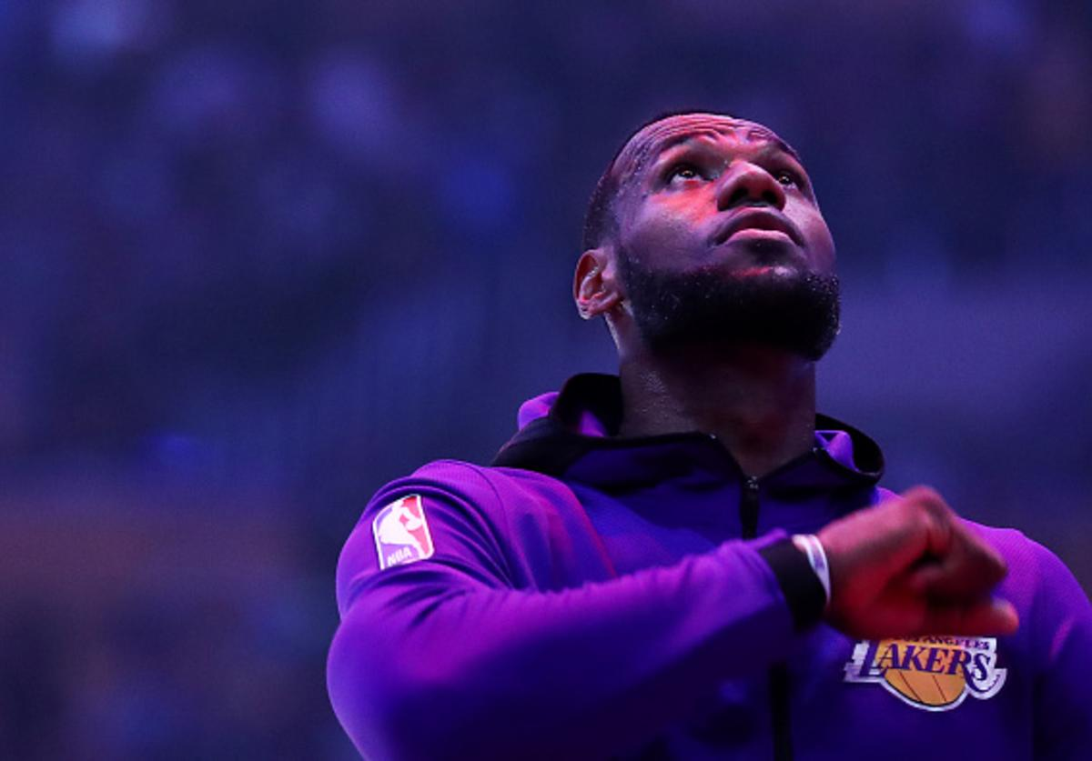 Lakers Pull Off Another Trade Clear Up Cap Space For Third Superstar