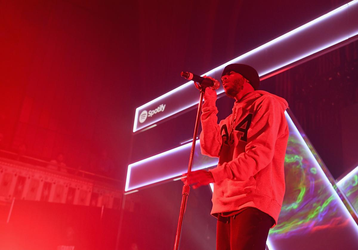 6lack onstage at Spotify's RapCaviar Live at The Tabernacle on August 12, 2017 in Atlanta, Georgia.