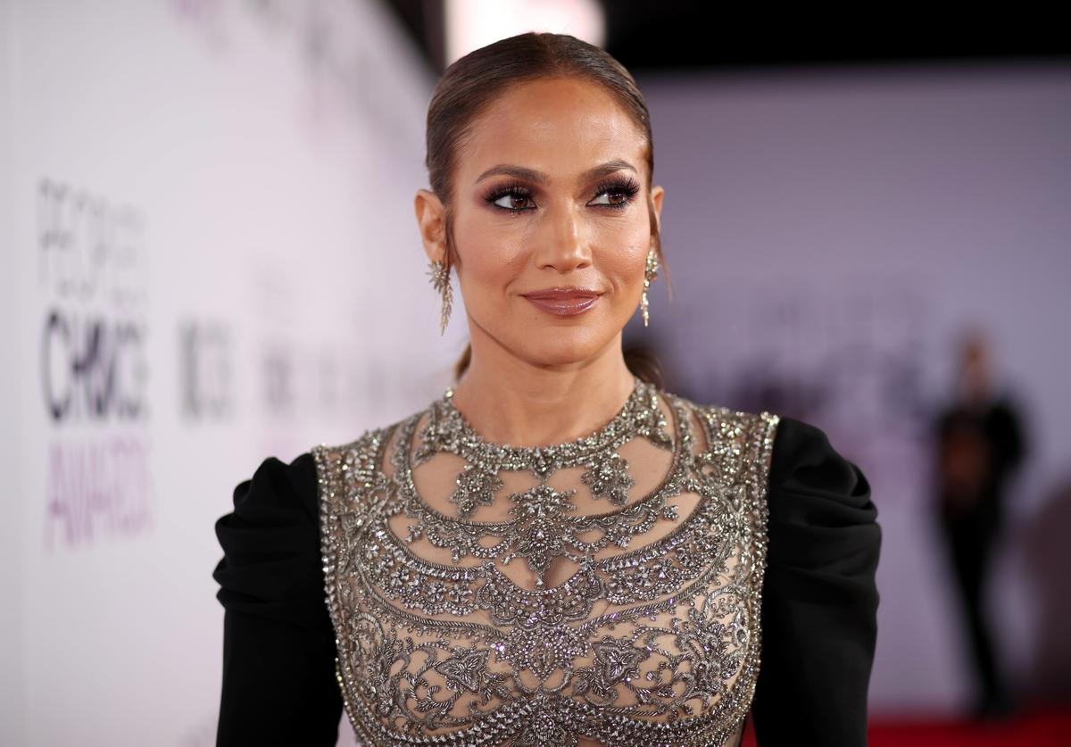 Jennifer Lopez attends the People's Choice Awards 2017 at Microsoft Theater on January 18, 2017 in Los Angeles, California