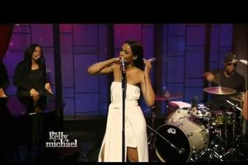 "Ciara Performs ""I Bet"""