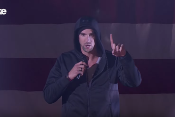 """Michael Phelps Crushes Eminem's """"Lose Yourself"""" On Lip Sync Battle"""