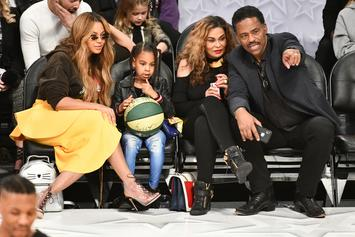 """Beyonce's Mom Stands """"Corrected"""" After Bey's Coachella Performance"""