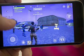 """""""Fortnite Mobile"""" Voice Chat Update & Android Launch Are Currently In Development"""