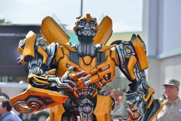 """""""Bumblebee"""" Movie Trailer Gives First Look At Hailee Steinfeld & John Cena"""