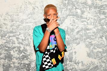 "Jaden Smith Posts ""Sus"" Shirtless Selfie: ""Going Far With The Album Promo"""