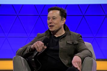 """Elon Musk """"Deletes"""" Twitter After Being Accused Of Stealing Fan Art"""