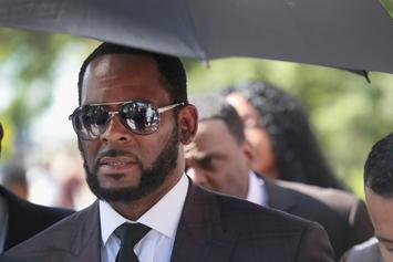 R. Kelly's GFs Ride Around Chicago In Slick 3-Wheeler As He Remains In Prison