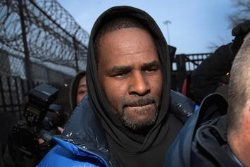 R. Kelly Accused Of Blackmailing Alleged Victims With Letters & Photos
