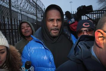 "An Airplane Proclaiming ""Happy Birthday R. Kelly, God Loves You"" Flys Over Chicago"