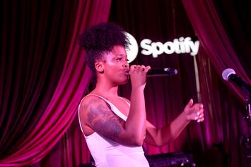 Ari Lennox Sensually Feels Her Godly Thighs While Previewing New Dreamville Music