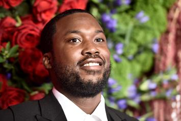 """Meek Mill Reacts To Video Of Strippers Going Off To """"Dreams & Nightmares (Intro)"""""""
