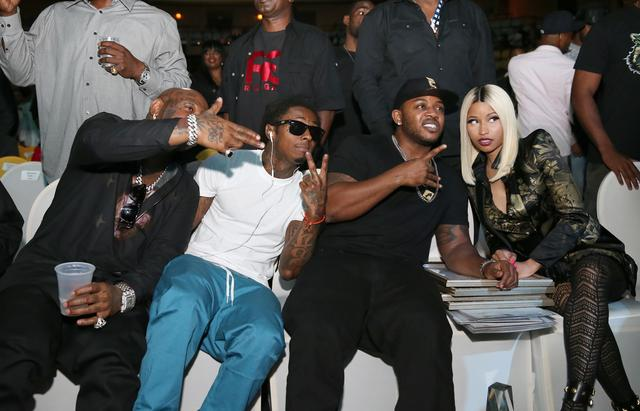 Mack Maine, Lil Wayne, Birdman and Nicki Minaj all sitting together