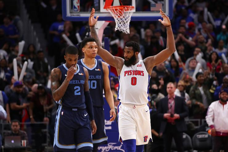 Pistons clinch final East playoff spot with rout of Knicks
