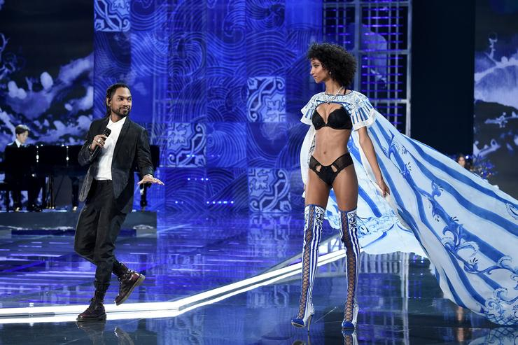 Miguel at Victorias Secret Fashion Show 2017