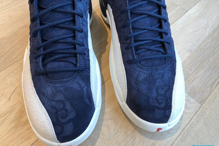 AJ12 International Flight